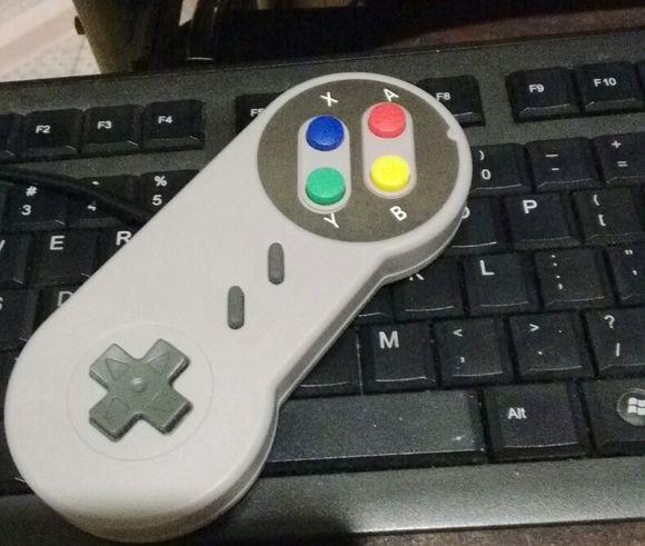 小霸王手柄插电脑上没用,这个是我买的手柄,就是以前小霸王上的手柄,u